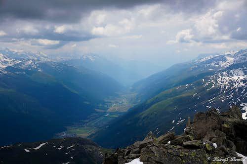 Summit view into Wallis