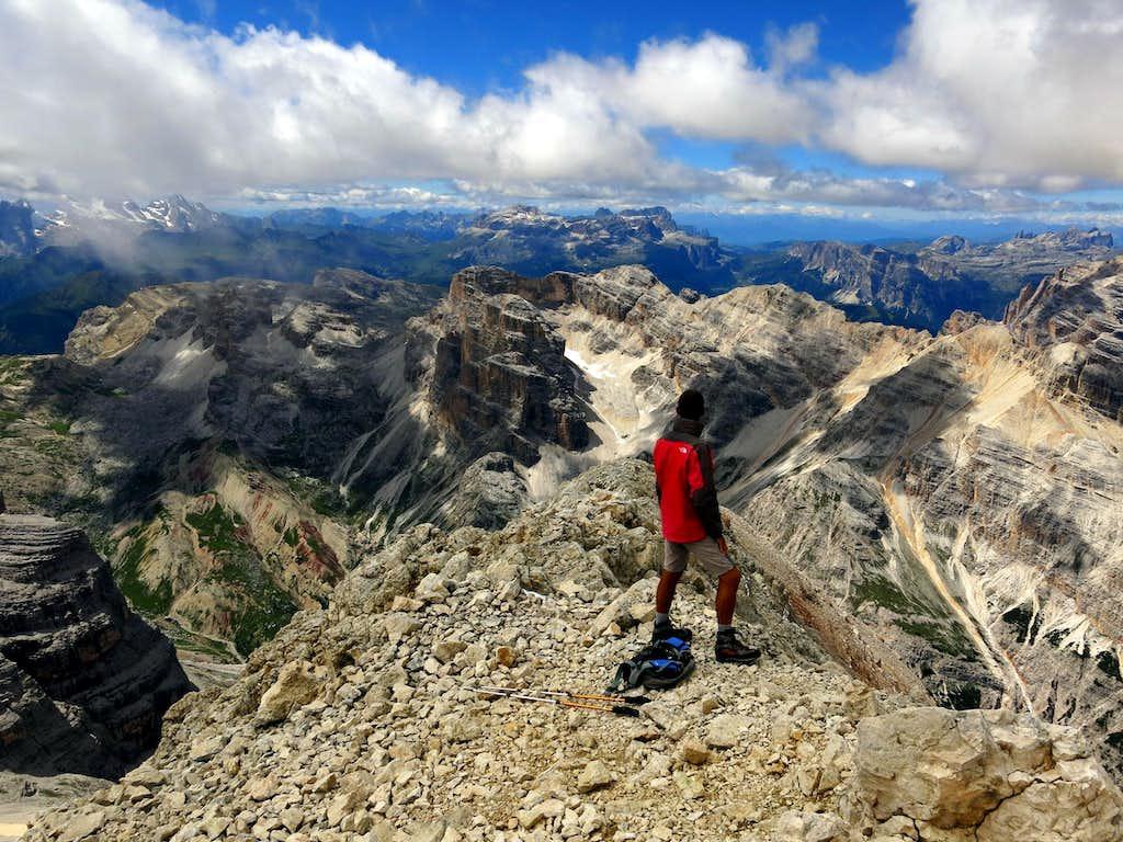 Tofana di Dentro, summit view over Fanis group