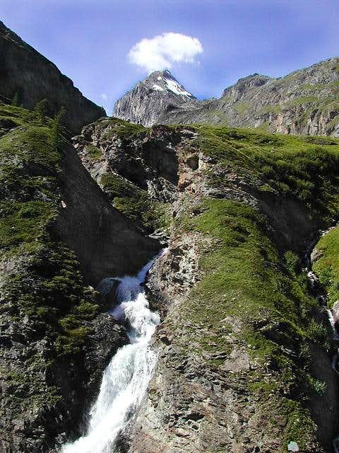 Waterfall in Val di Rhêmes<br> at the foot of Granta Parei
