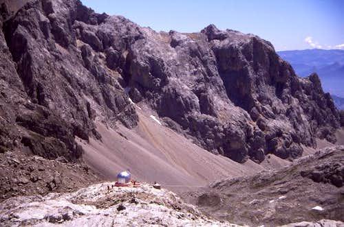 The tiny refuge of Cabaña...
