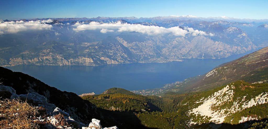 Garda lake from below Cima delle Pozzette