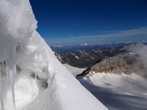 Bergschrund below the north face