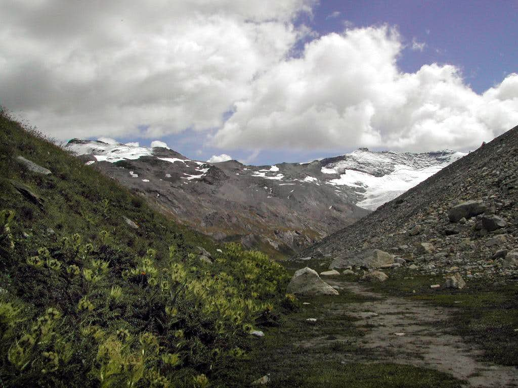 Gran Paradiso GROUP: east side  of the Val di Rhêmes head