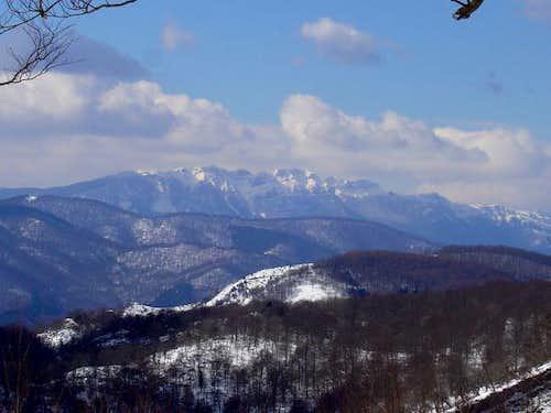 The massif of Aizkorri in...
