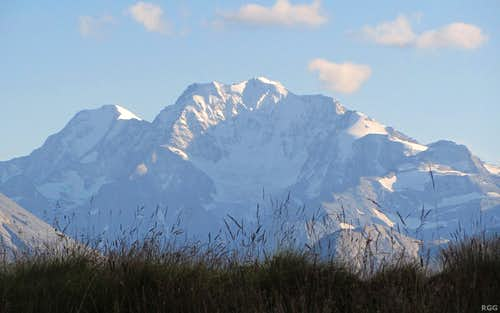 Zooming in on Weissmies (4023m) and Fletschhorn (3993m) from Bettmeralp