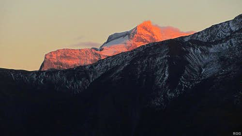 Alpenglow on Hillehorn (3181m)