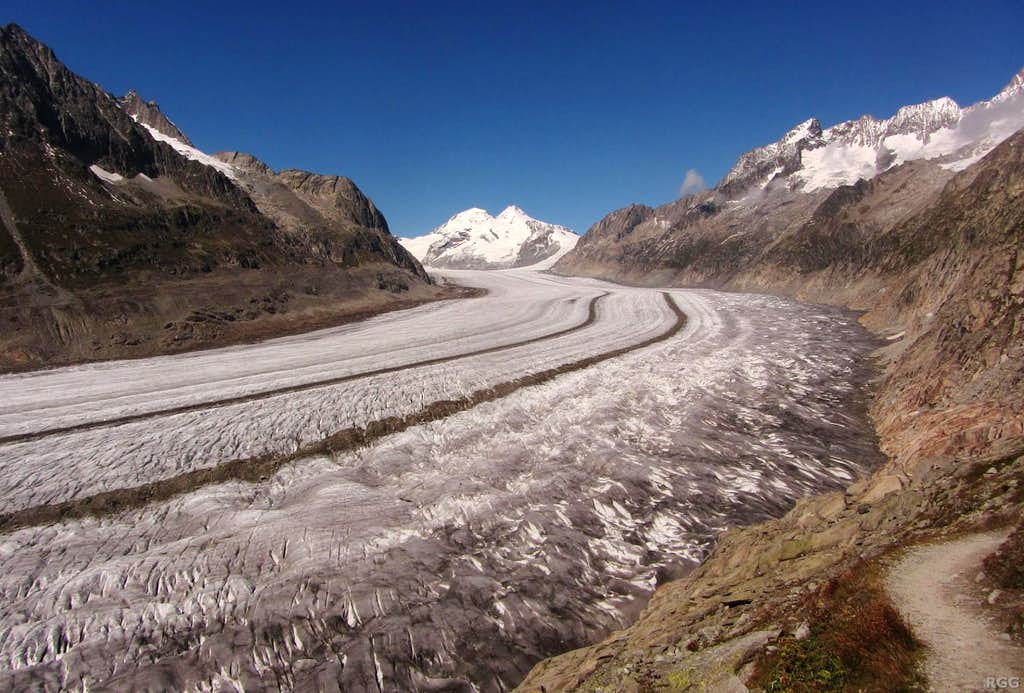 The Mönch is coming into view at the top of the Aletschgletscher