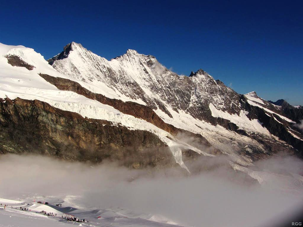 Täschhorn (4491m), Dom (4545m), Lenzspitze (4294m), Ulrichshorn (3925m) and Balfrin (3796m)