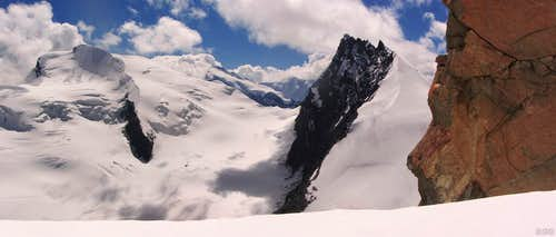 Strahlhorn and Rimpfishhorn from just below the rock step high on the Allalinhorn Hohlaubgrat