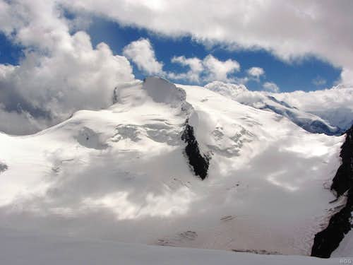 Strahlhorn from high on the Hohlaub ridge