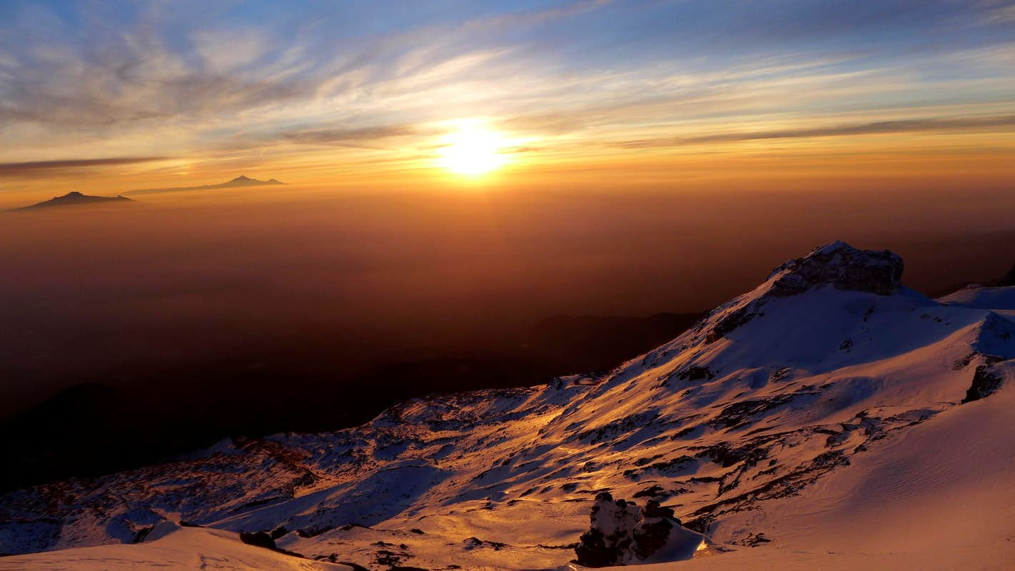 Amazing sunrise on Izta