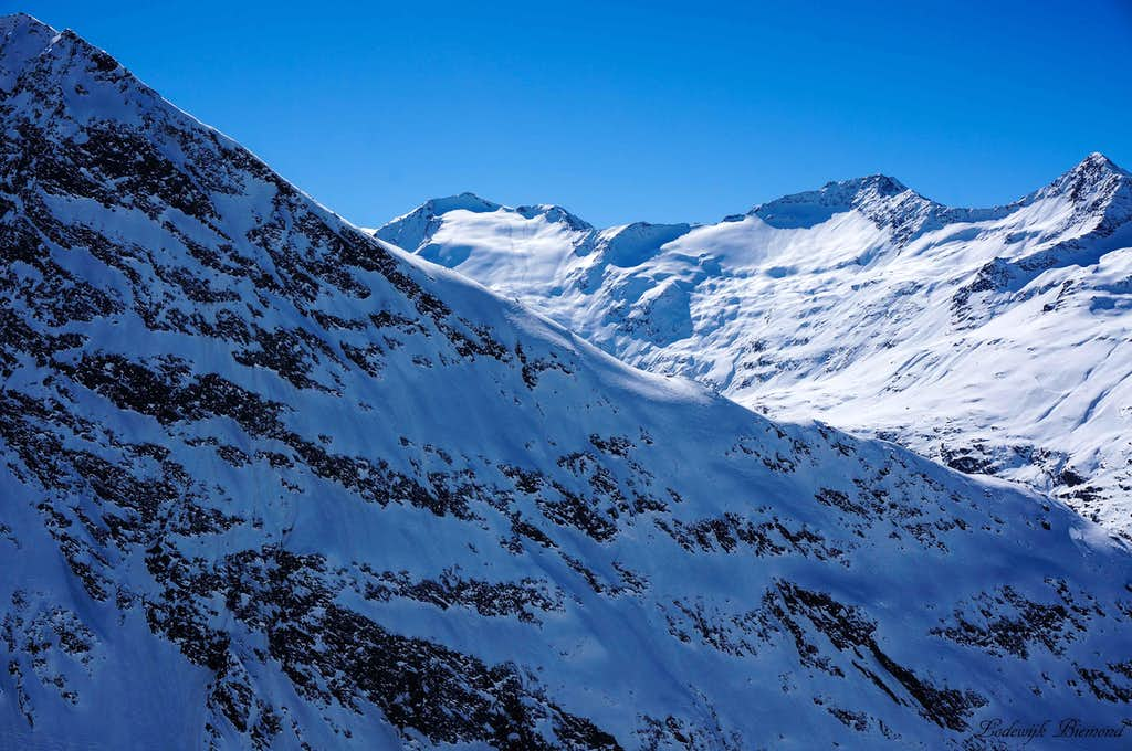 Hangerer NE-Face and Schalfkogel ( 11614 ft / 3540 m)