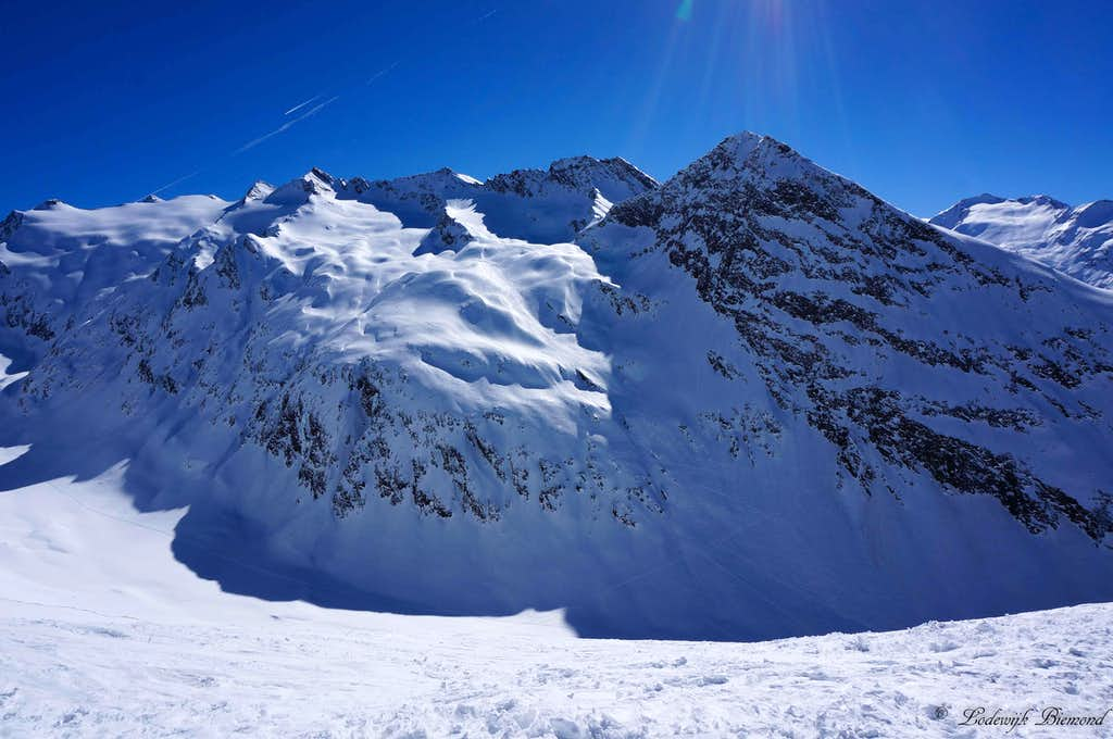 The three Seelenkogels (3472m) & Hangerer  (3020m)  on a beautiful, sunny day