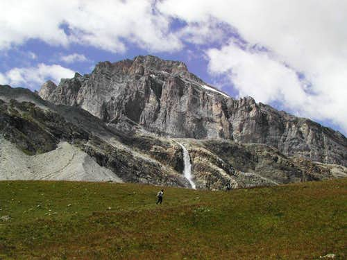 Val di Rhêmes head: at the foot of the mighty  Granta Parei