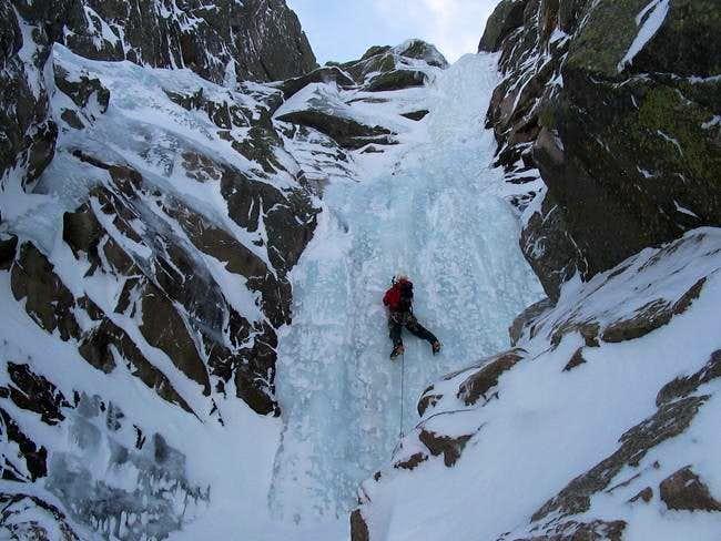 Waterfall Gully IV, 4 (4+)