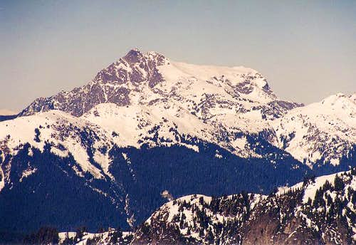 Tomyhoi Peak from the south...