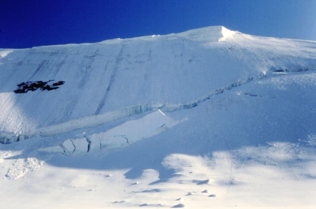 Castore, ice-slopes below Colle Felik