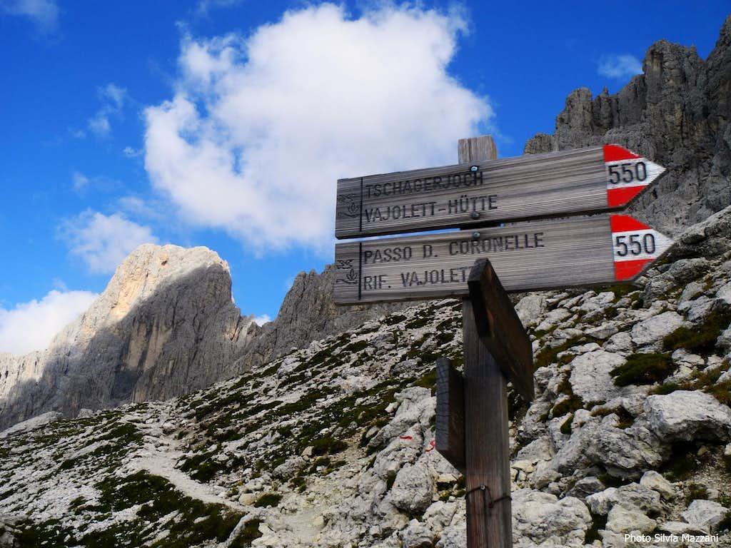 Signposts along the approach to Punta Kafmann