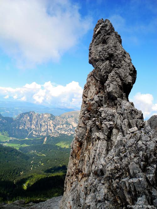 Pinnacle on Cresta di Davoi summit ridge