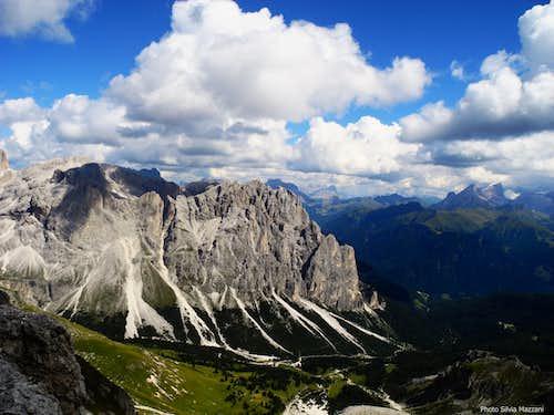 Dirupi di Larsec and Gardeccia basin seen from the summit of Cresta di Davoi
