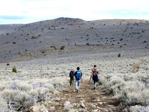 Group heading towards North Pond Peak
