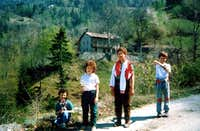 Kids & Teens/1 Going to Reverier du Tzat Alp 1985