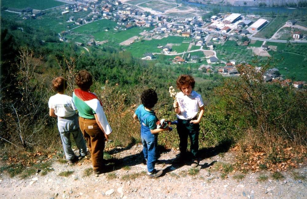 Kids & Teens ... Dirt Road above Alto & Pian Felina 1985