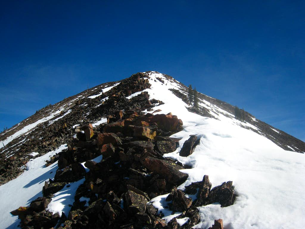 Narrow section of ridge leading to the summit