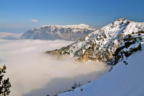 Untersberg and Dreisesselberg above inversion cloud