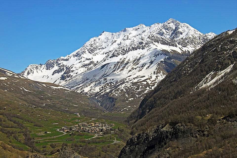 Villar-d'Arene and Combeynot massif