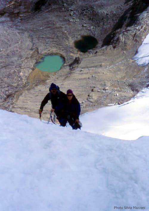 Last steep slope on Ishinca NW route