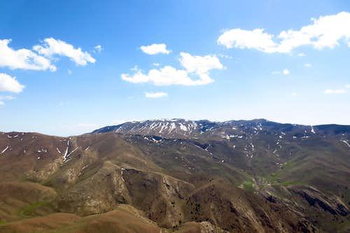 دورنمای قله کلیلاغ از فراز قله بردو
