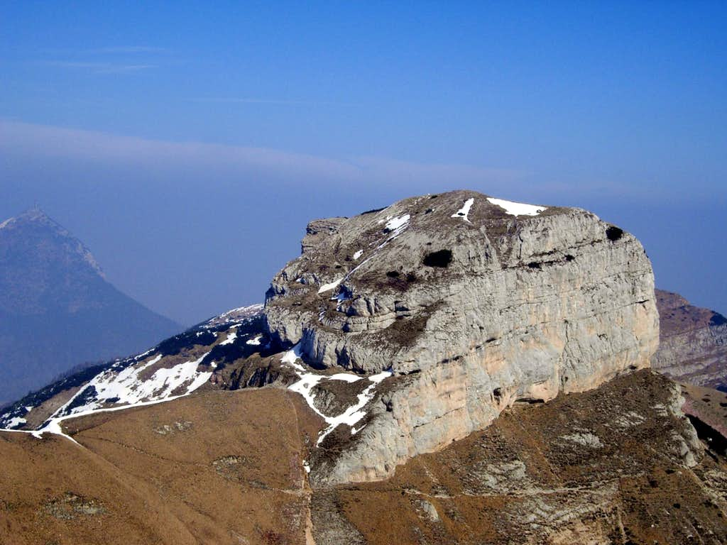 Doss d'Abramo from the summit of Cornetto