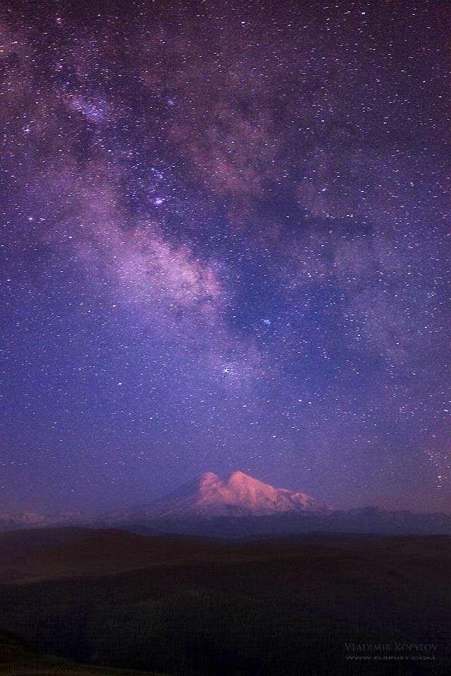 Milky way over Elbrus north part