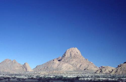 Big Spitzkoppe, from the east...