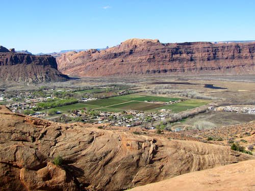 The town of Moab & Colorado River Portal