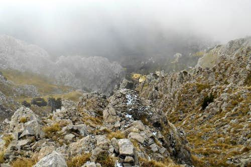 A look down the the south face (Serra Dolcedorme)