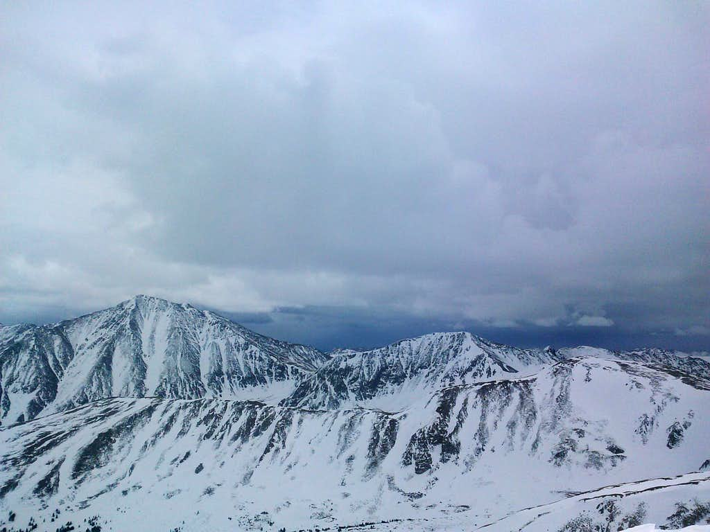 Mount Sniktau summit looking south at Torreys and Grizzly Peak d