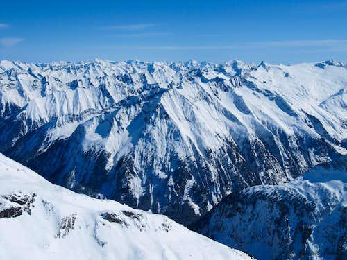 View from Gefrorene Wandspitze towards Grossvenediger and Hochgall