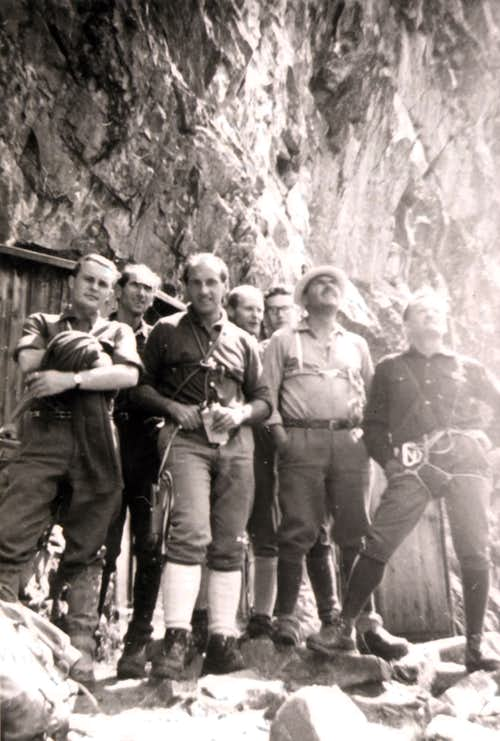 Chasseurs Pass Guides & Mountaineers in Val Veny 1968