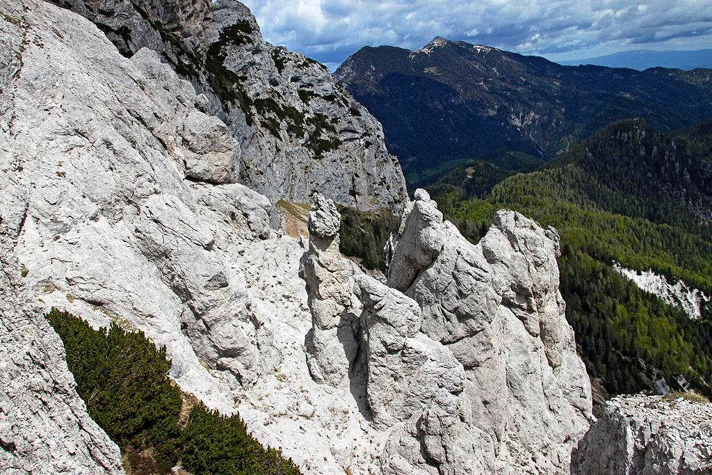 Meli rock towers