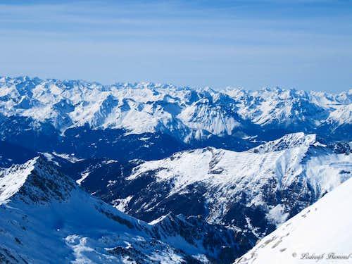 View from the Wildlahnerscharte (3250m)