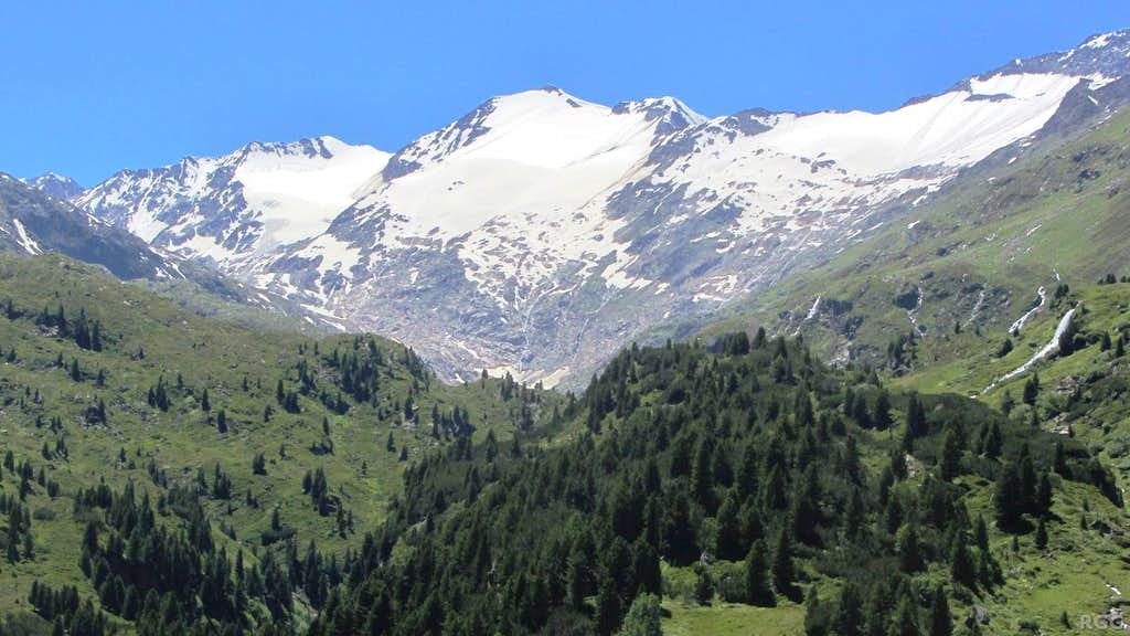 Panorama of the high peaks south of Obergurgl, with Schalfkogel (3540m) in the center