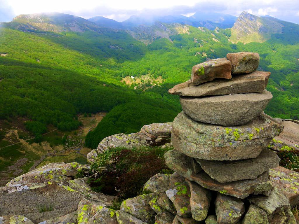 Monte Scala summit cairn