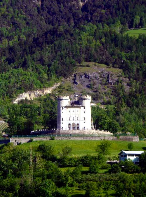 One-week trip around Castles restored Aymavilles 2015