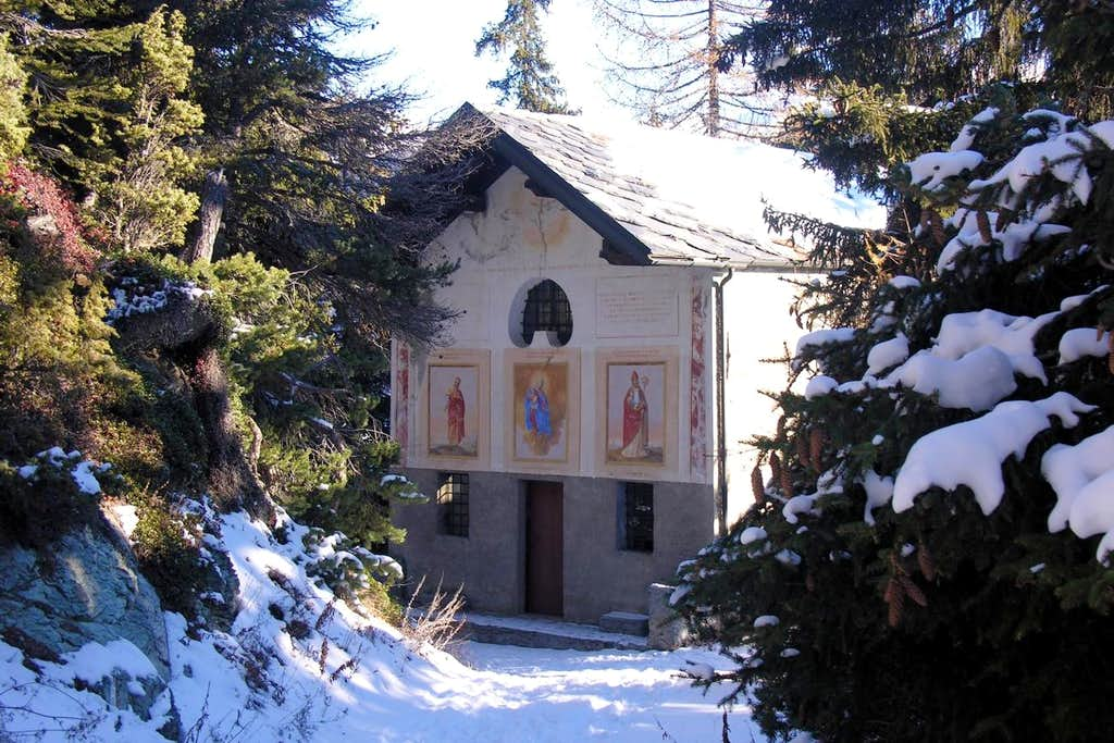 Snowshoeing Septumian Chapel near Torgnon 2005