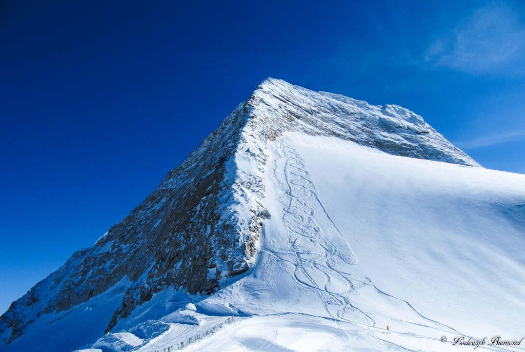The North Ridge of Olperer (3476m)
