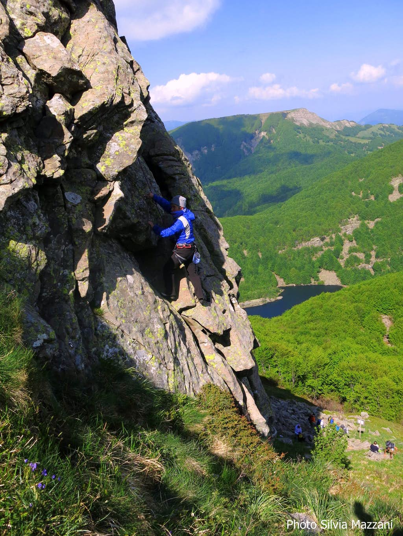 First spring climbs on Lago Scuro crag
