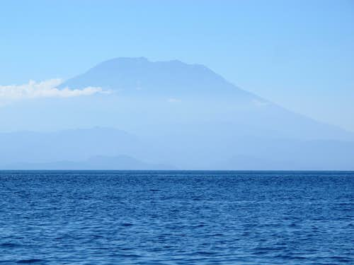 From the steep to the deep - Gunung Agung Crossover Route