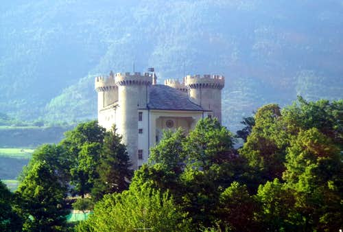One-week trip / B Aymavilles Castle from South 2015